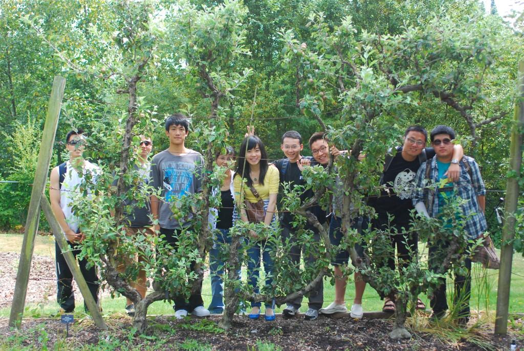 UBC Botanical Garden Tour with 2+2/3+2 Students